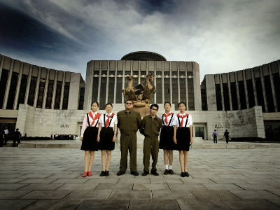 katasztrófaturizmus, Észak-Korea, movie, film, The Red Chapel, Vörös Kápolna, Mads Brügger